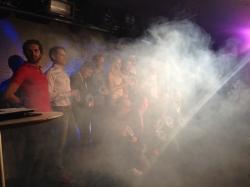 Alla pristagare på scenen bakom lite rök. Josef Fares och hans team bakom Brothers var de enda utvecklare på plats.