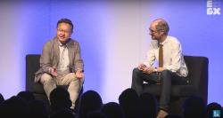 Shuhei Yoshida, till höger, pratar om Vita-planer.
